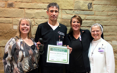 tyler-cardiac-nurse-receives-daisy-award