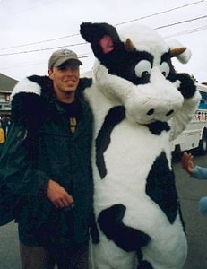 bud-and-a-cow-at-the-parade_1804773556_o.jpg