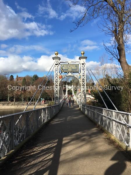 Queens Park Suspension Bridge: Queens Park