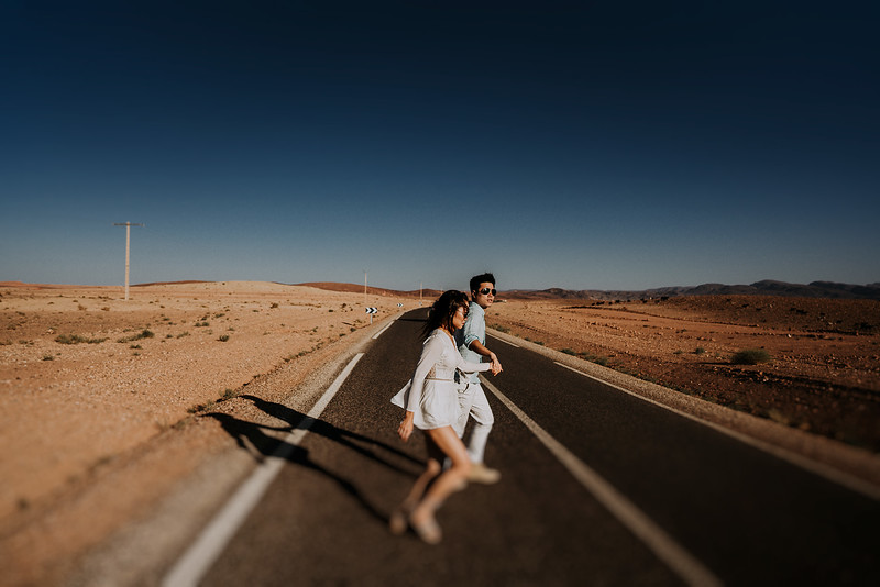 Tu-Nguyen-Destination-Wedding-Photographer-Morocco-Videographer-Sahara-Elopement-138-4.jpg