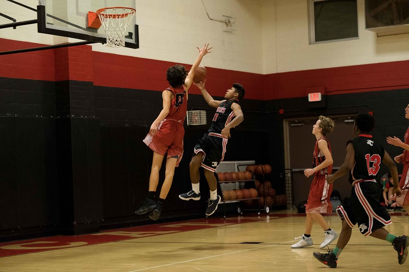 kwhipple_WWS_vs_Siena_basketball_20171206_132.jpg