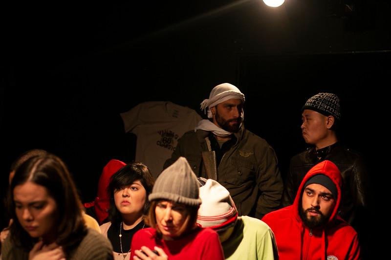 Allan Bravos - Fotografia de Teatro - Indac - Migraaaantes-476.jpg