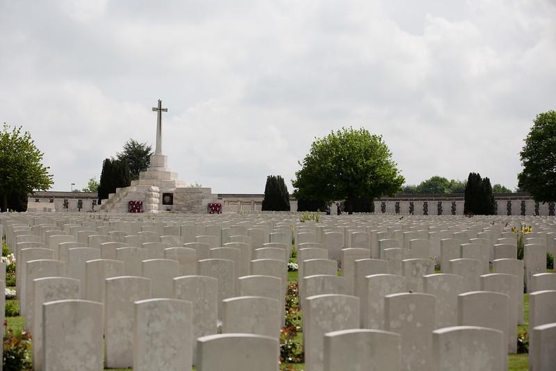 Ypres Tyne Cot Cemetery (12 of 123).jpg