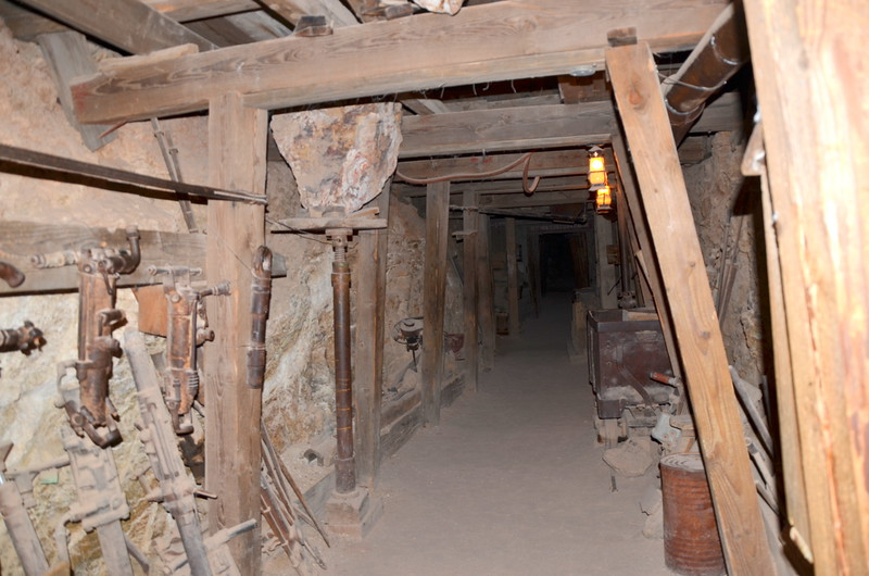 Visiting-the-Gholdfield-Ghost-Town-with-the-Coyote-Coupon-Book-10.jpg