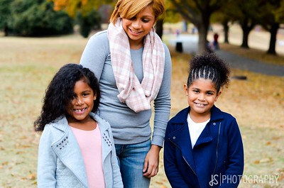 JOANNA & DAUGHTERS - FAMILY PORTRAITS