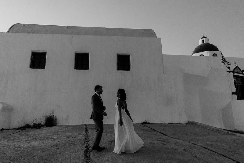Tu-Nguyen-Destination-Wedding-Photographer-Santorini-Elopement-Alex-Diana-210.jpg