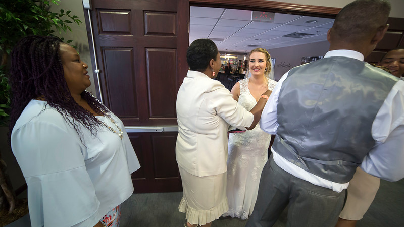 Laura & AJ Wedding (0899).jpg