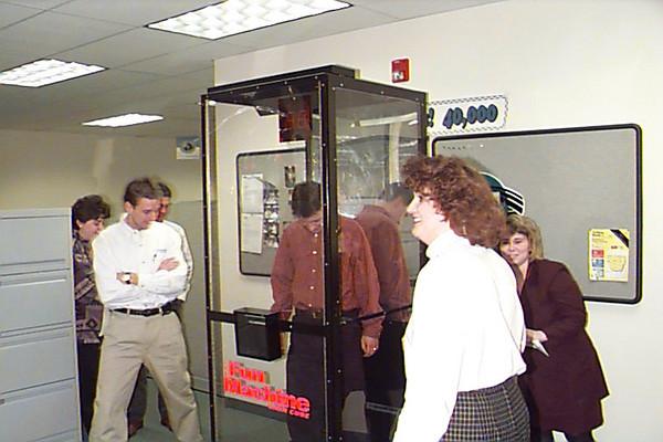 1999-02-03 cash grab