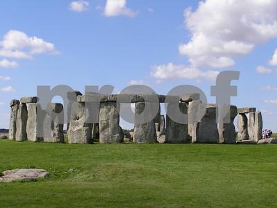 hidden-prehistoric-monument-discovered-near-stonehenge