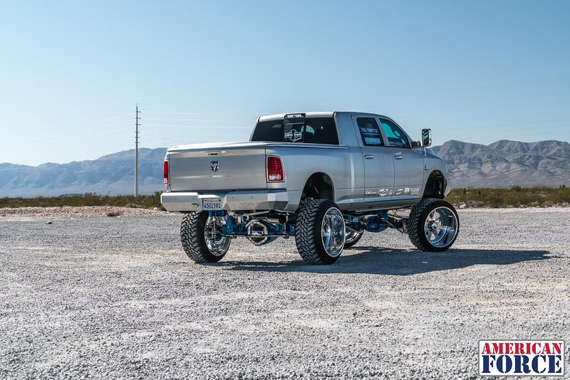 Ridin'-High-Silver-Dodge-Ram-161105-DSC02806-37.jpg
