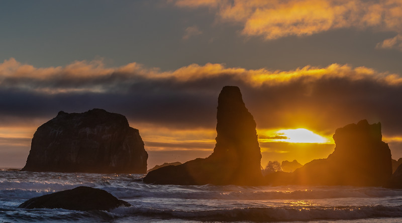 Bandon Beach Face Rock sunset 1 070618.jpg