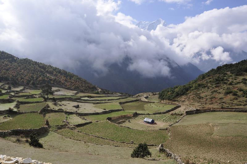 080517 2783 Nepal - Everest Region - 7 days 120 kms trek to 5000 meters _E _I ~R ~L.JPG