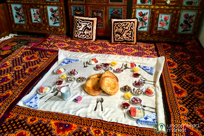 HeightsofAlay_Trek_Kyrgyzstan_Lunch.jpg