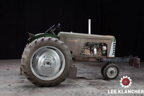 1955 Oliver Super 88 Pulling Tractor - Bryan Sharp