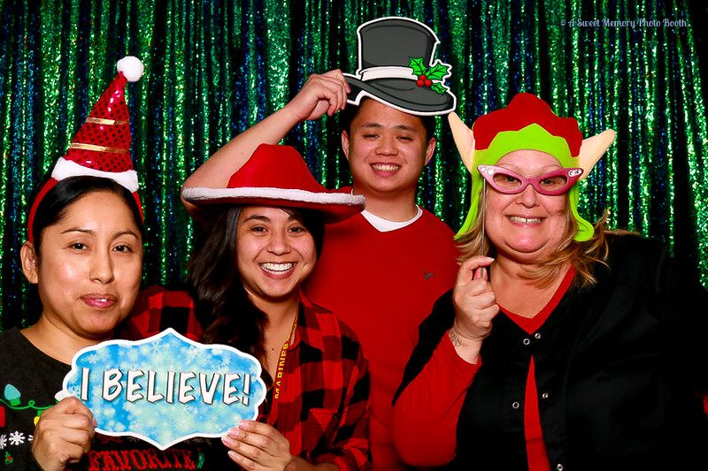 Medtronic Holiday Party -467.jpg