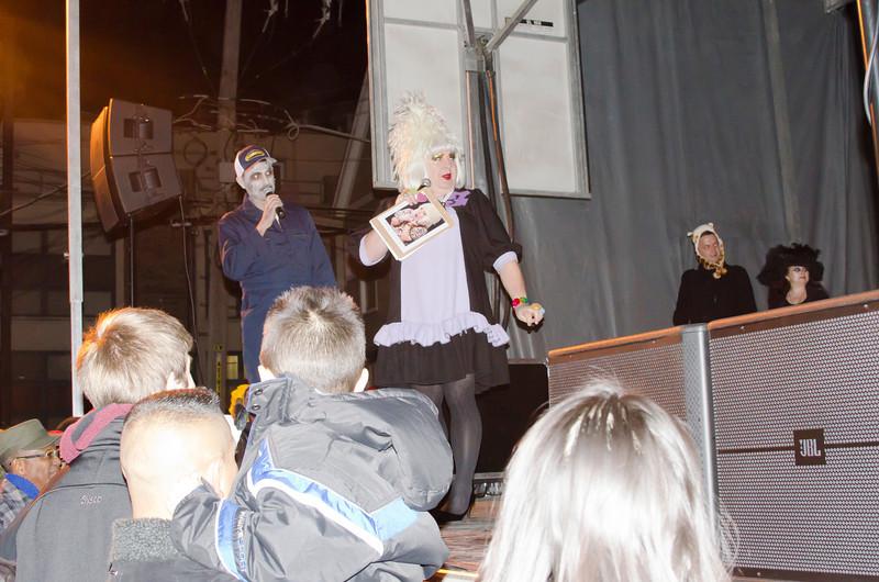 Halloween2012MissFuzzieDSC_7550.jpg