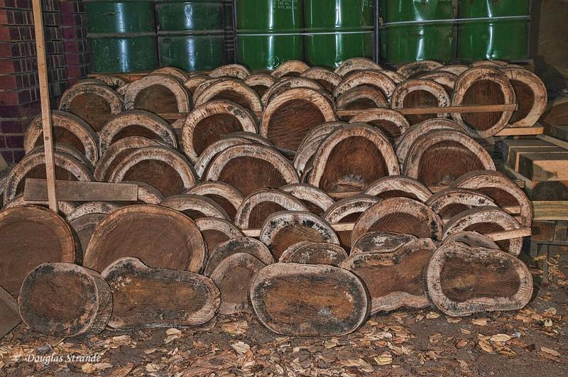 311-1342-WoodFactory-TreeSlices.jpg