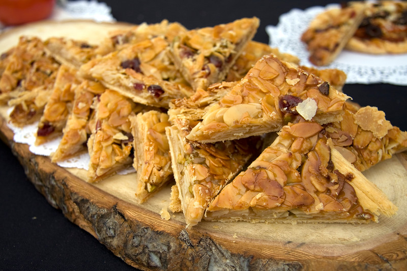 florentine-almond-square-with-pistachios-honey-and-cranberries-by-daniel-et-daniel_3623568488_o.jpg