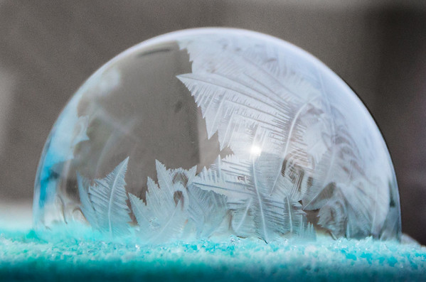 Frozen Bubble Experiment