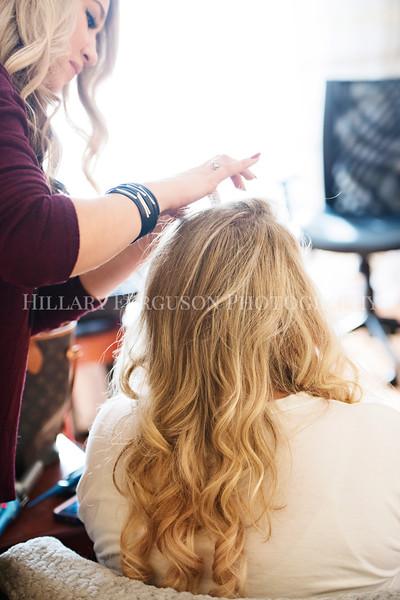 Hillary_Ferguson_Photography_Melinda+Derek_Getting_Ready117.jpg