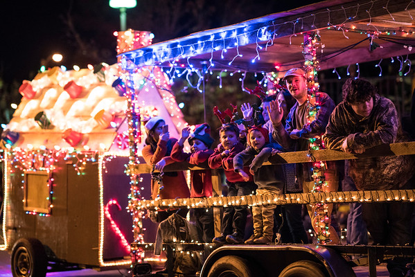 Light_Parade_2016-05446.jpg