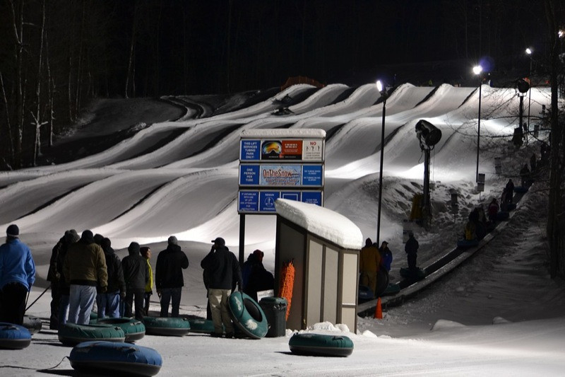 Snow_Tubing_at_Snow_Trails_011.jpg