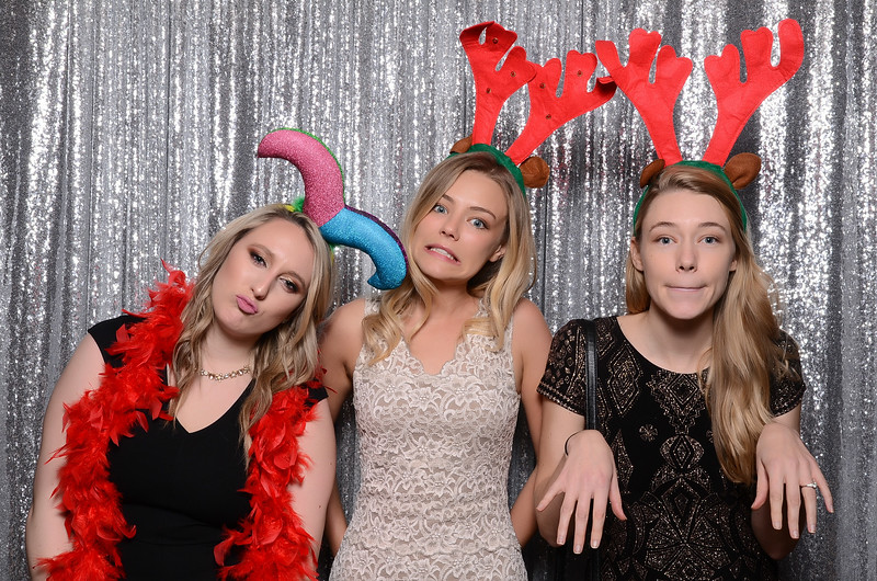 nwg residential holiday party 2017 photography-0049.jpg