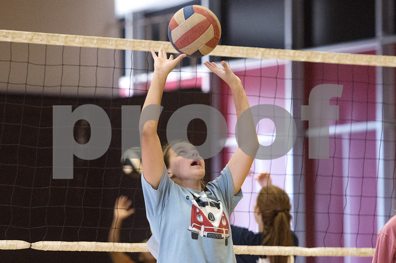 080117_Robert_E_Lee_Volleyball_Tryouts_Web_010