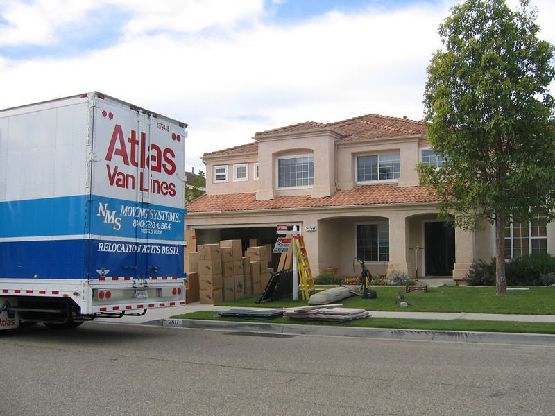 The movers took two days to pack (26-27 Nov) our home in Oxnard and one day (28 Nov) to load and go. (Image taken with Canon PowerShot A95 at ISO 0, f5.0, 1/250 sec and 7.8mm)