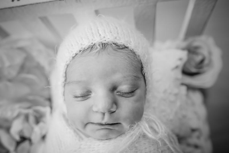bw_newport_babies_photography_hoboken_at_home_newborn_shoot-5291.jpg