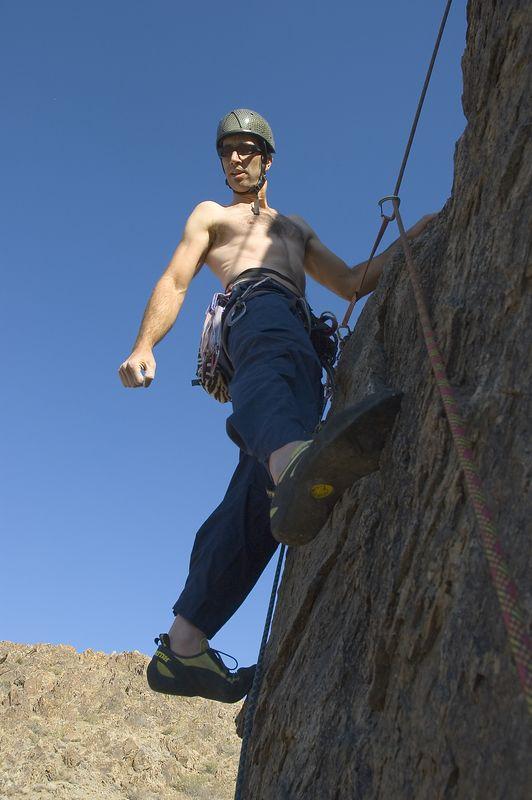 04_10_31 climbing New Jack City NIKON D70 0112.jpg