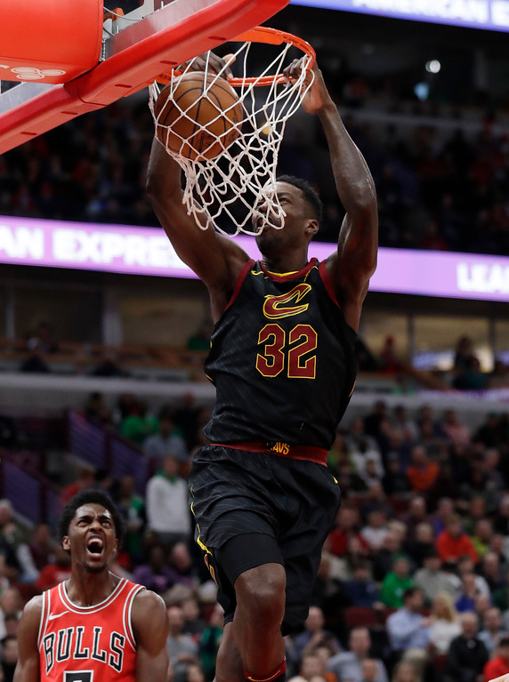 . Cleveland Cavaliers forward Jeff Green dunks against the Chicago Bulls during the first half of an NBA basketball game Saturday, March 17, 2018, in Chicago. (AP Photo/Nam Y. Huh)