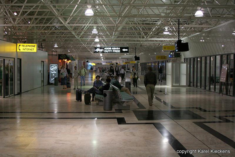 03.Bole Airport at nigth_.JPG