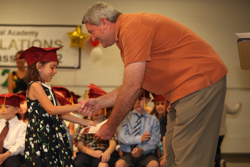2012May18_MTA Kinder Grad_9717.JPG