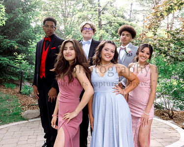 Kaeleigh & Friends - Reed Prom 2021