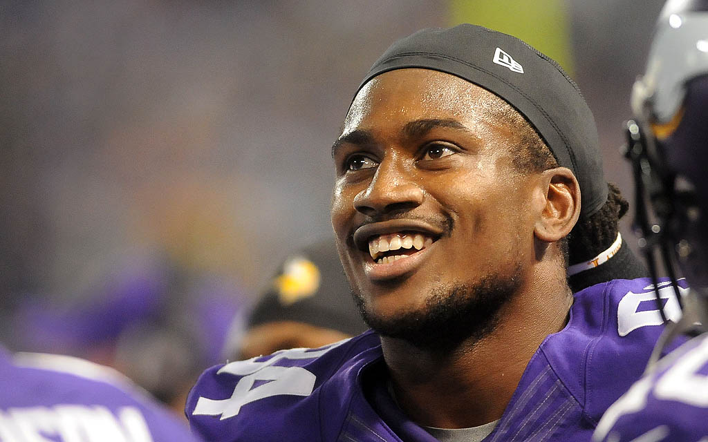 . Minnesota Vikings wide receiver Cordarrelle Patterson was all smiles as he watched his record-breaking run replayed on the Jumbotron. (Pioneer Press: Sherri LaRose-Chiglo)