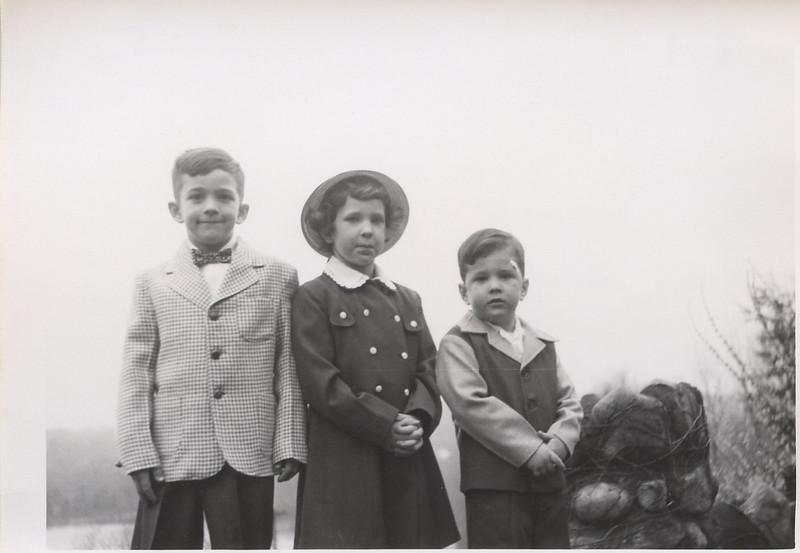 1952 John Sue Greg Easter.jpg