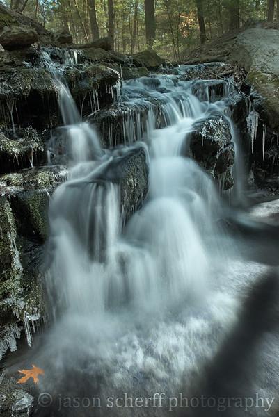 Daypond Falls 2012 03 06.jpg