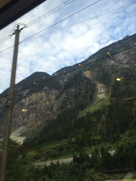 348_iPhone_Switzerland.jpg