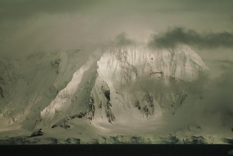 Mountain2562.jpg