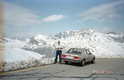 Wow!  I feel cold just looking at this photo.  Appears we have reached the top of the world in the Alps!  Note the date when this photo was taken: practically in mid-June of '87.