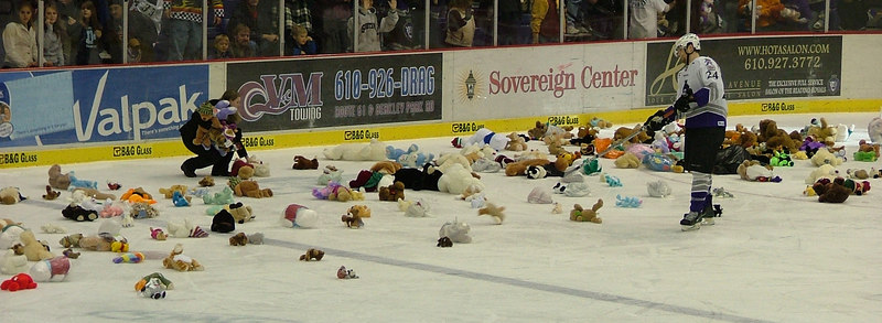 Home vs Cyclones 12-8-06