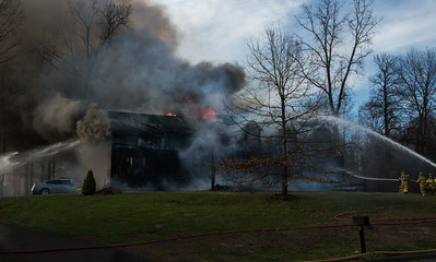 Structure Fire - 5 Woodside Circle, Woodbury ,CT - 4/10/17