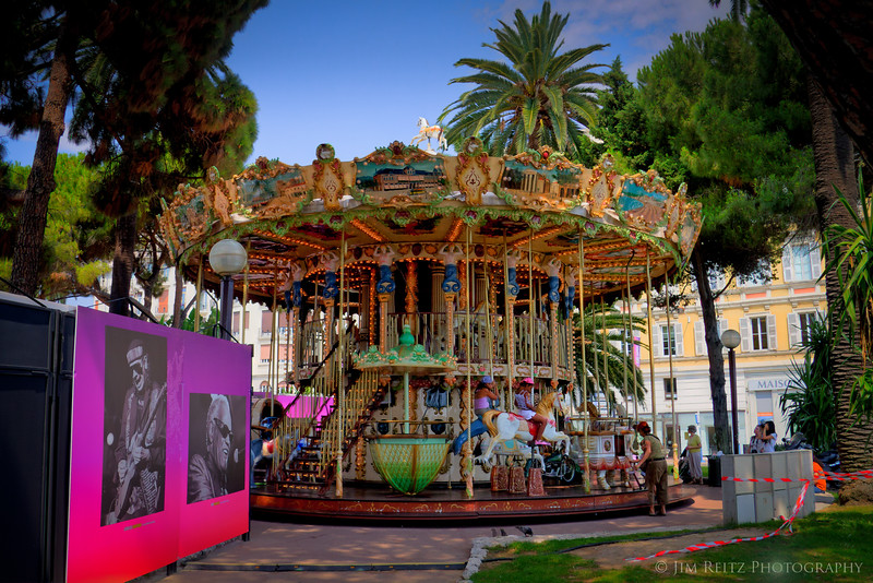 Cool two-level carousel in Nice, right behind the Jazz Festival site.
