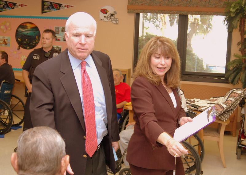 Sen McCain PVAHCS Visit 5-1-2010 5-13-43 PM.JPG