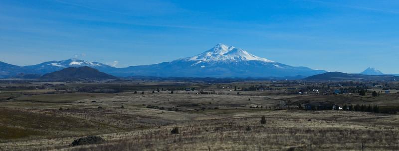 Mt Shasta from I 5 (12 of 12).jpg
