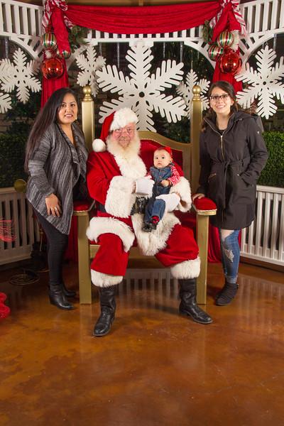 Santa 12-16-17-262.jpg