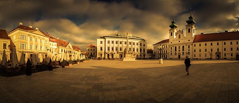 Szechenyi Square.jpg