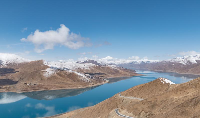 khambala-pass-yamdrok-lake.jpg