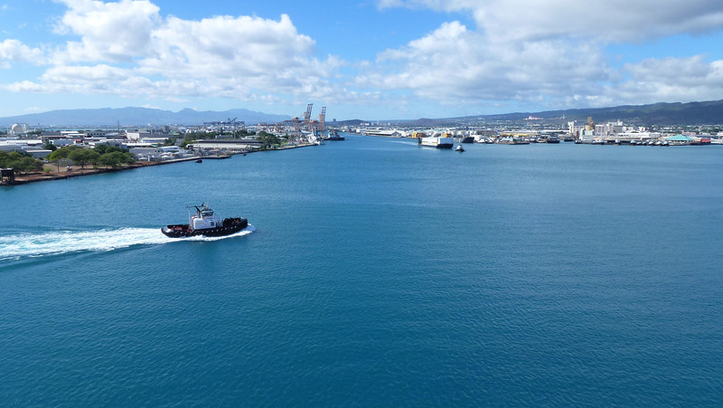 The Honolulu port (Oahu).